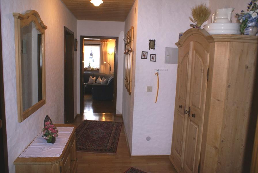 ferienwohnungen in schwangau hohenadl ferienwohnung 3 edelweiss. Black Bedroom Furniture Sets. Home Design Ideas